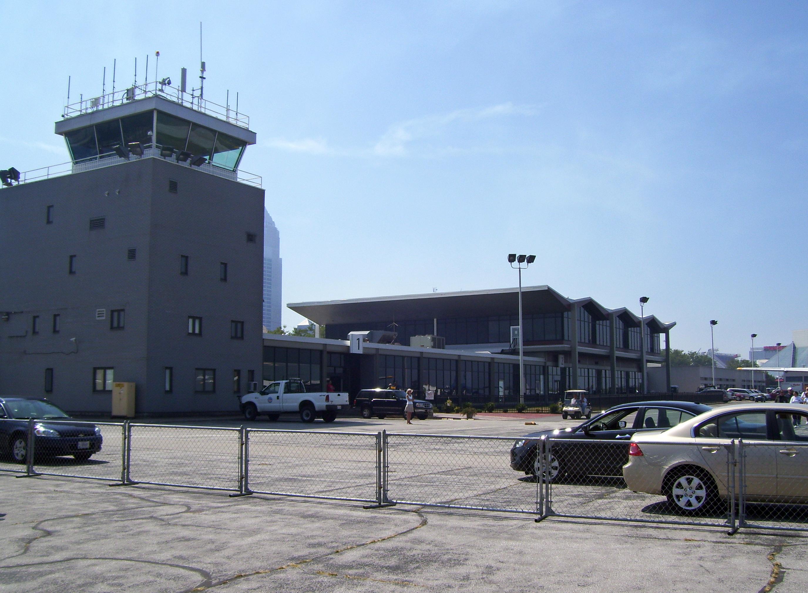 Cleveland Burke Lakefront Airport - Wikipedia