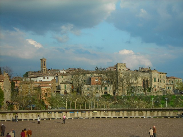 File:Collevalenza old.JPG