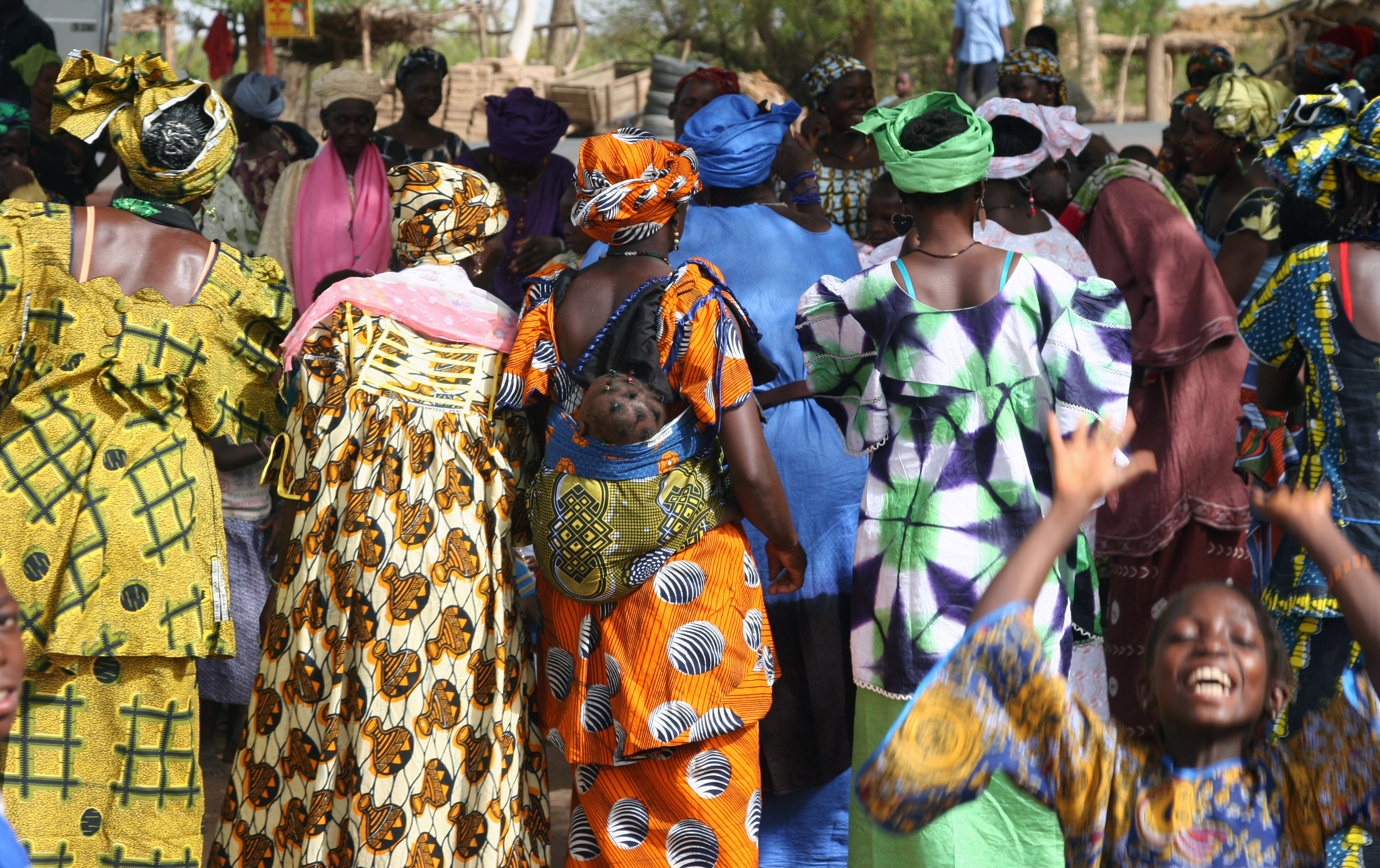 File:Colorful crowd, Mali.jpg  Wikimedia Commons