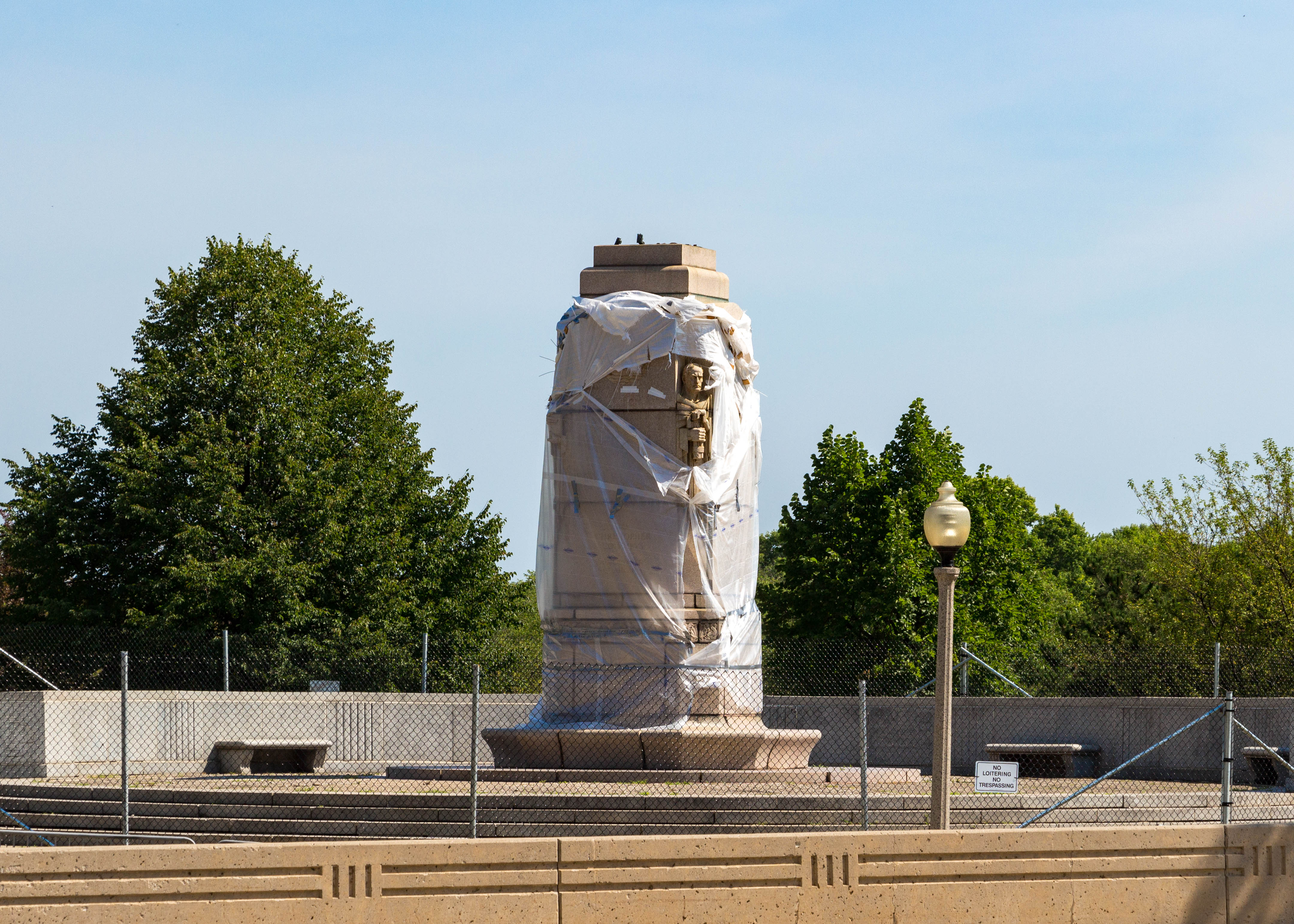 Columbus_Statue_Removal_Grant_Park_Chicago_July_25_2020-2069.jpg