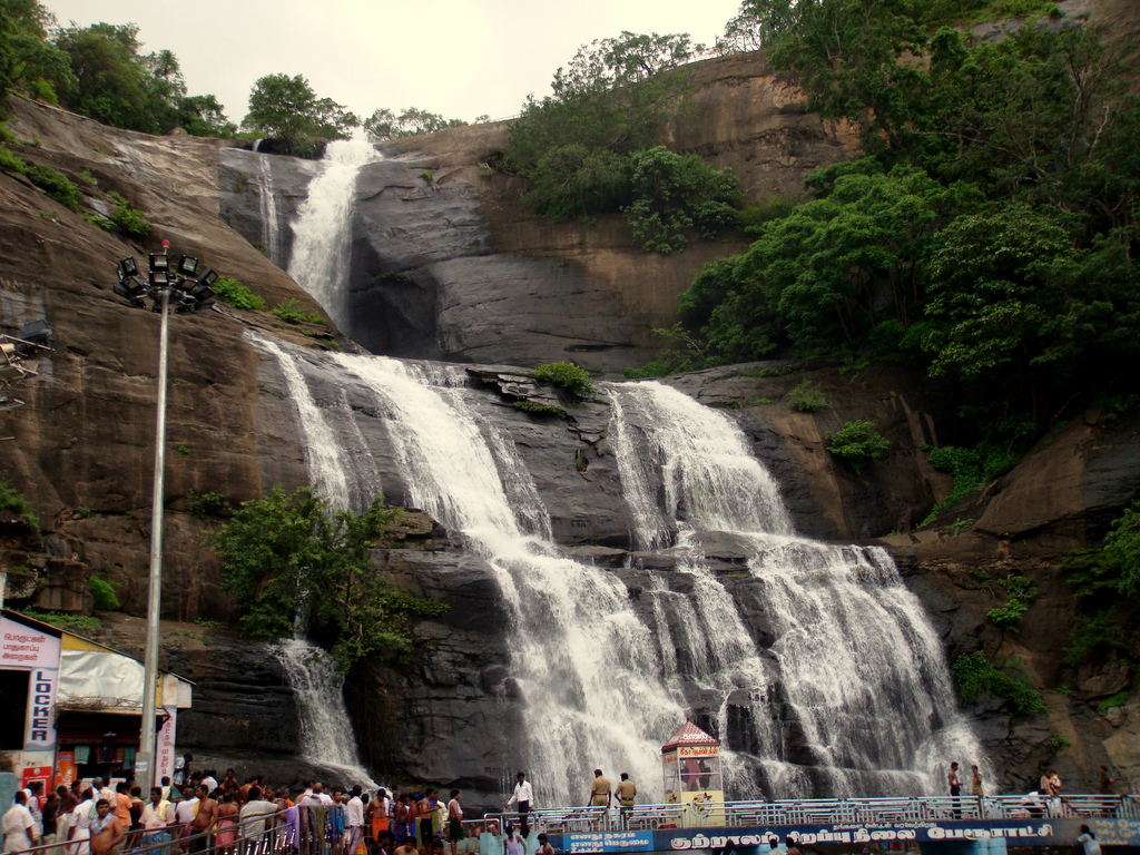 Courtallam India  city pictures gallery : Courtallam Waterfall shot Wikimedia Commons