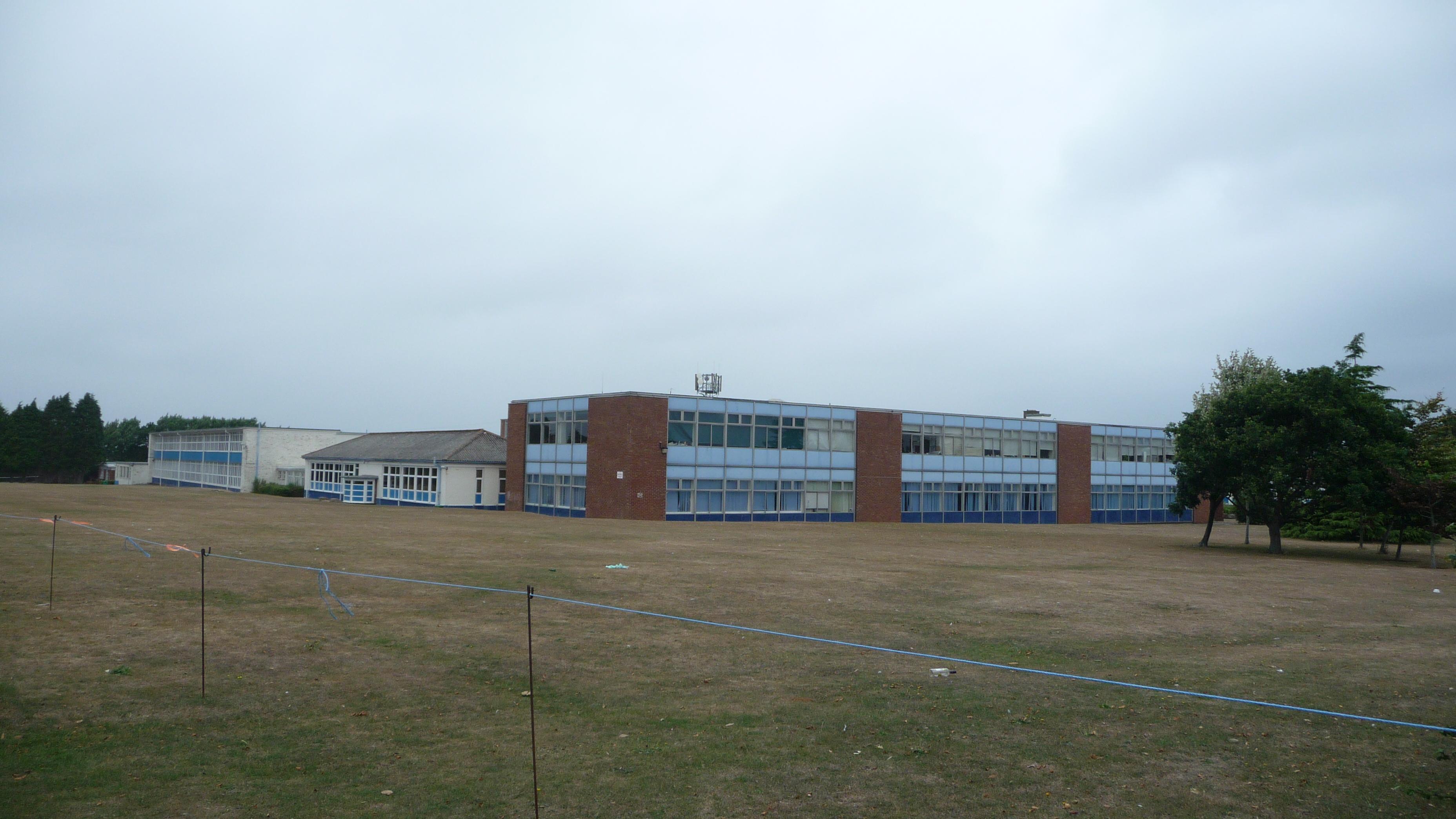 File:cowes High School 4.jpg