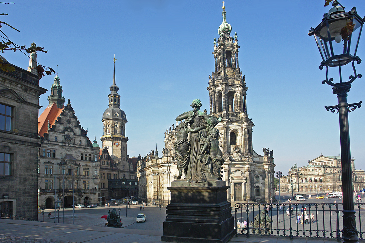 File Dresden Dom2 Jpg Wikimedia Commons