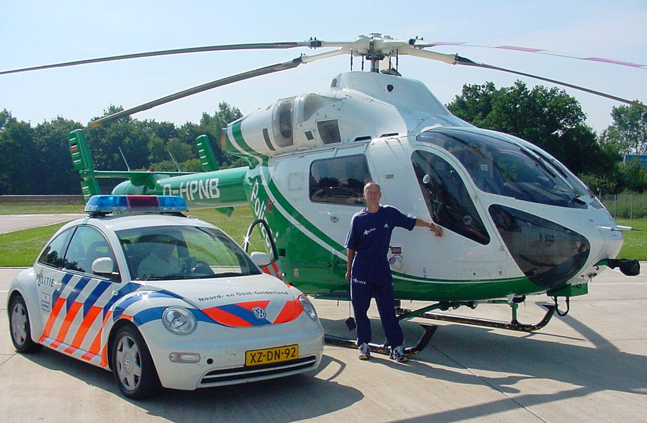 File Dutch Police Car With German Helicopter 02 Jpg