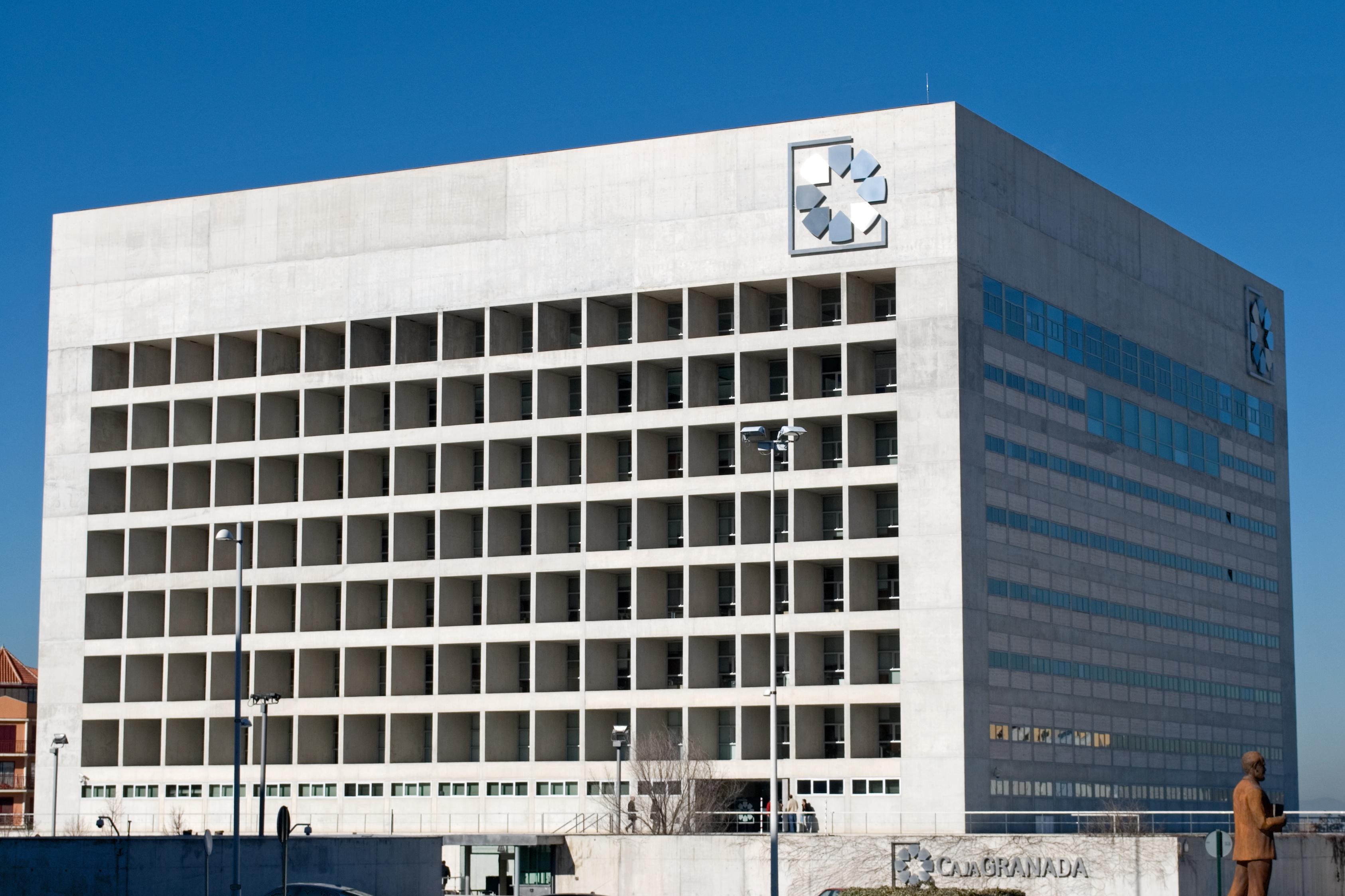 File edificio wikimedia commons - Campo baeza caja granada ...