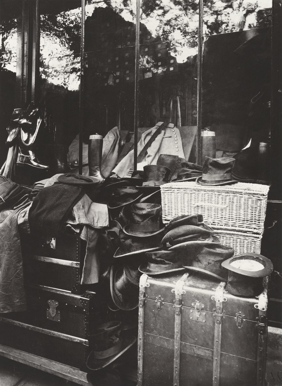 File Eug 232 Ne Atget Boutique March 233 Aux Halles 1925 Jpg