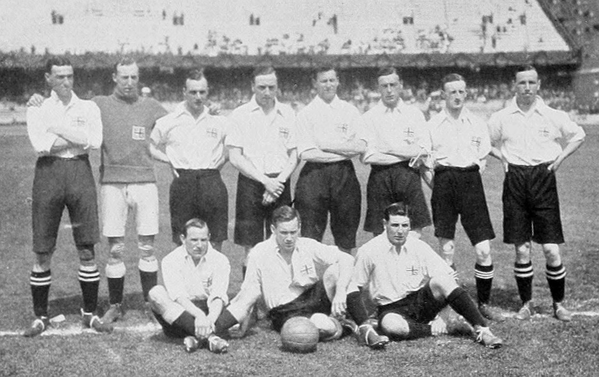 http://upload.wikimedia.org/wikipedia/commons/b/b4/Football_at_the_1912_Summer_Olympics_-_UK_squad.JPG