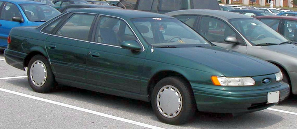 1990 Ford Taurus >> File:Ford-Taurus-sedan.jpg - Wikimedia Commons