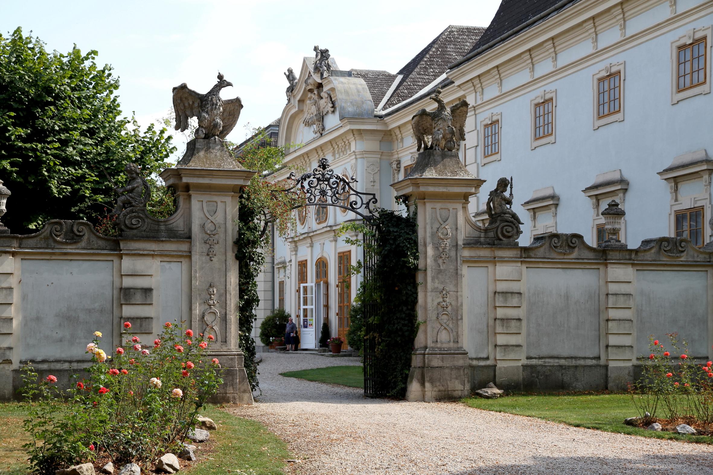 Schloss Halbturn günstig