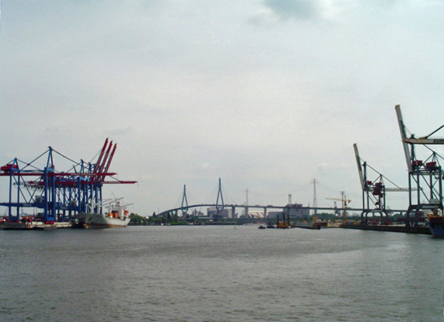 Hamburg-port.jpg