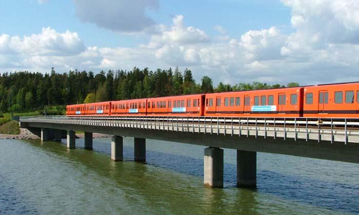 Finska - Page 3 Helsinki_Metro_bridge