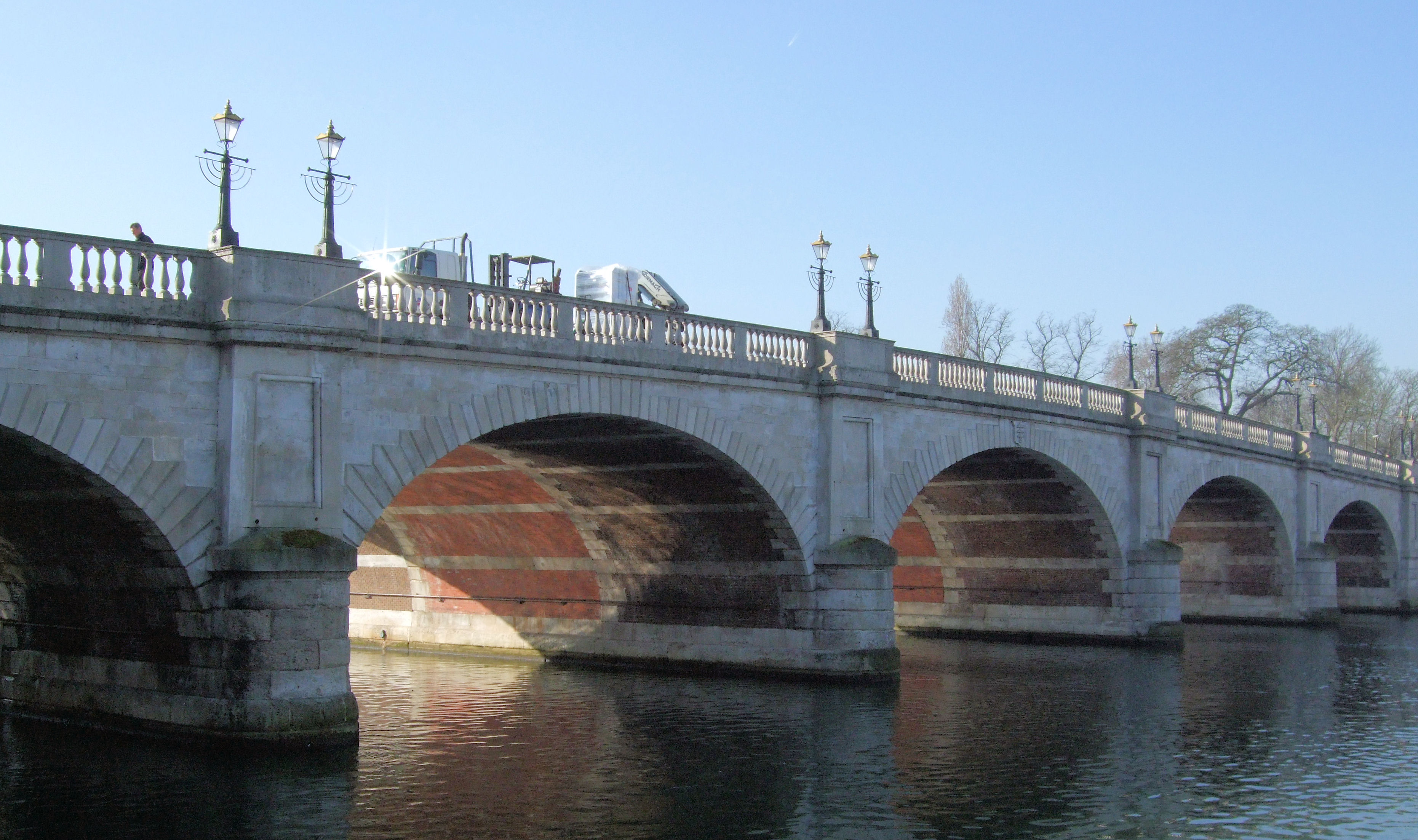 Description kingston bridge over the thames london