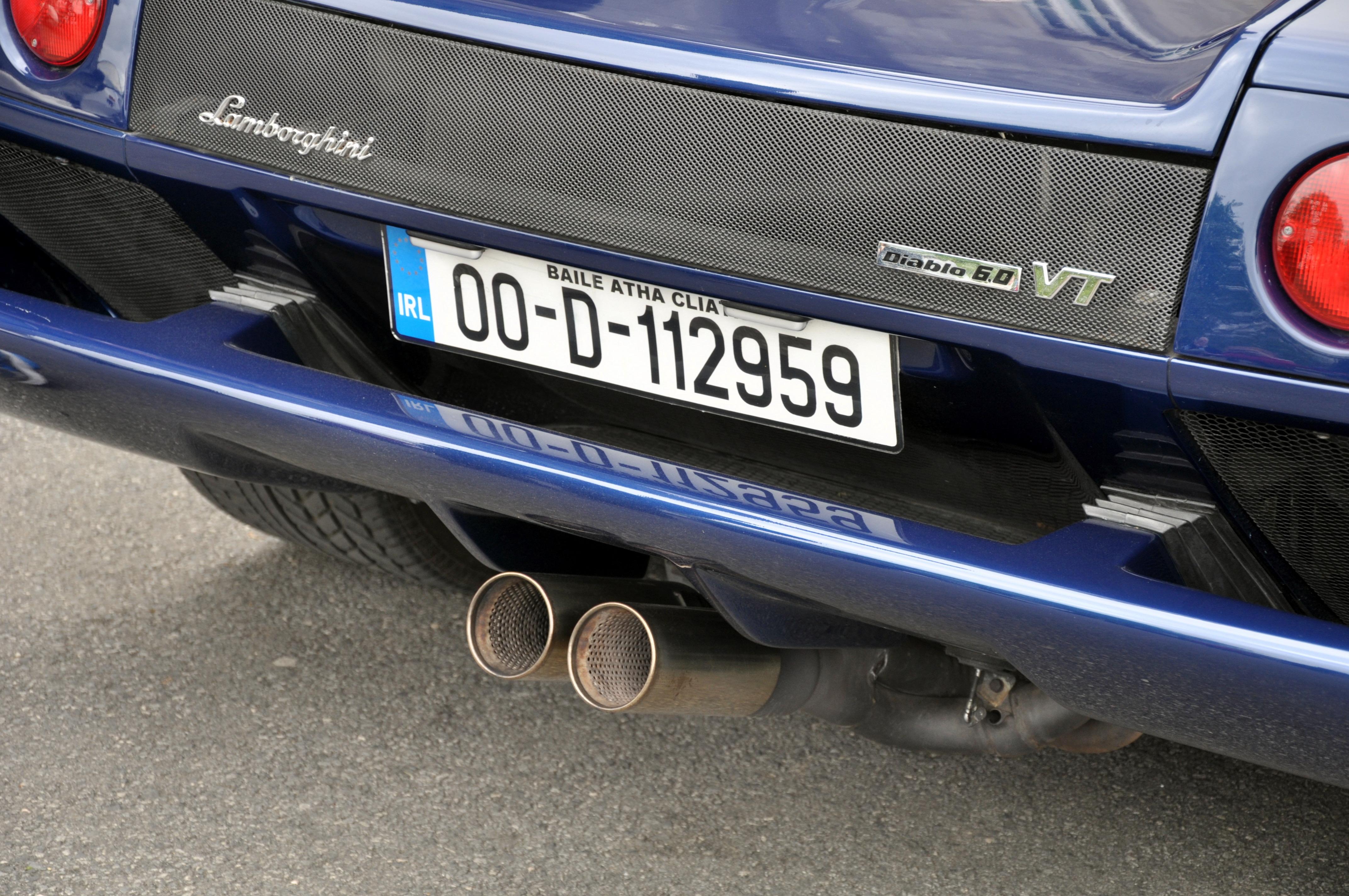 File Lamborghini Diablo Vt 6 0 Exhaust Jpg Wikimedia Commons