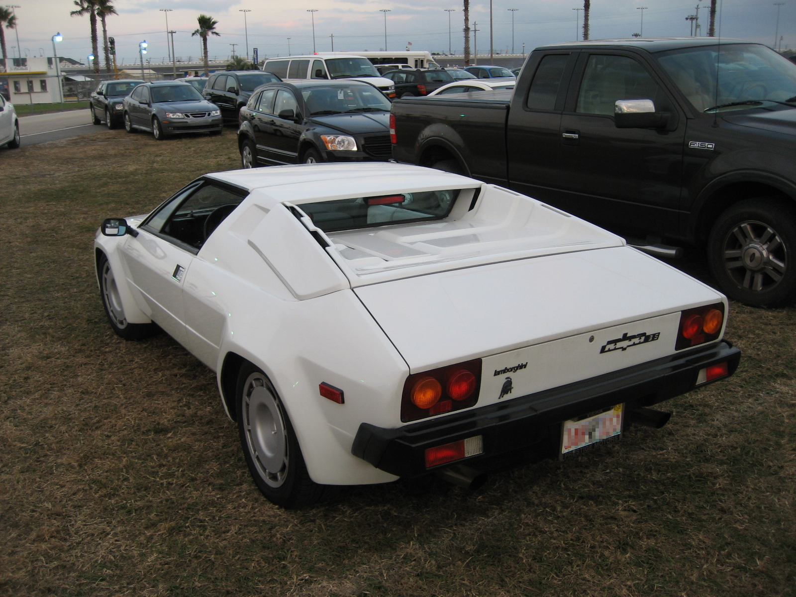 Lamborghini LM004