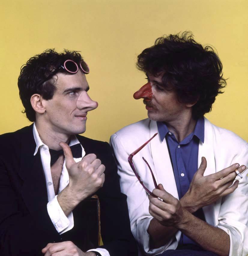 Spinetta junto a Charly García en 1984, en una fotografía de Renata Schussheim y José Luis Perotta.