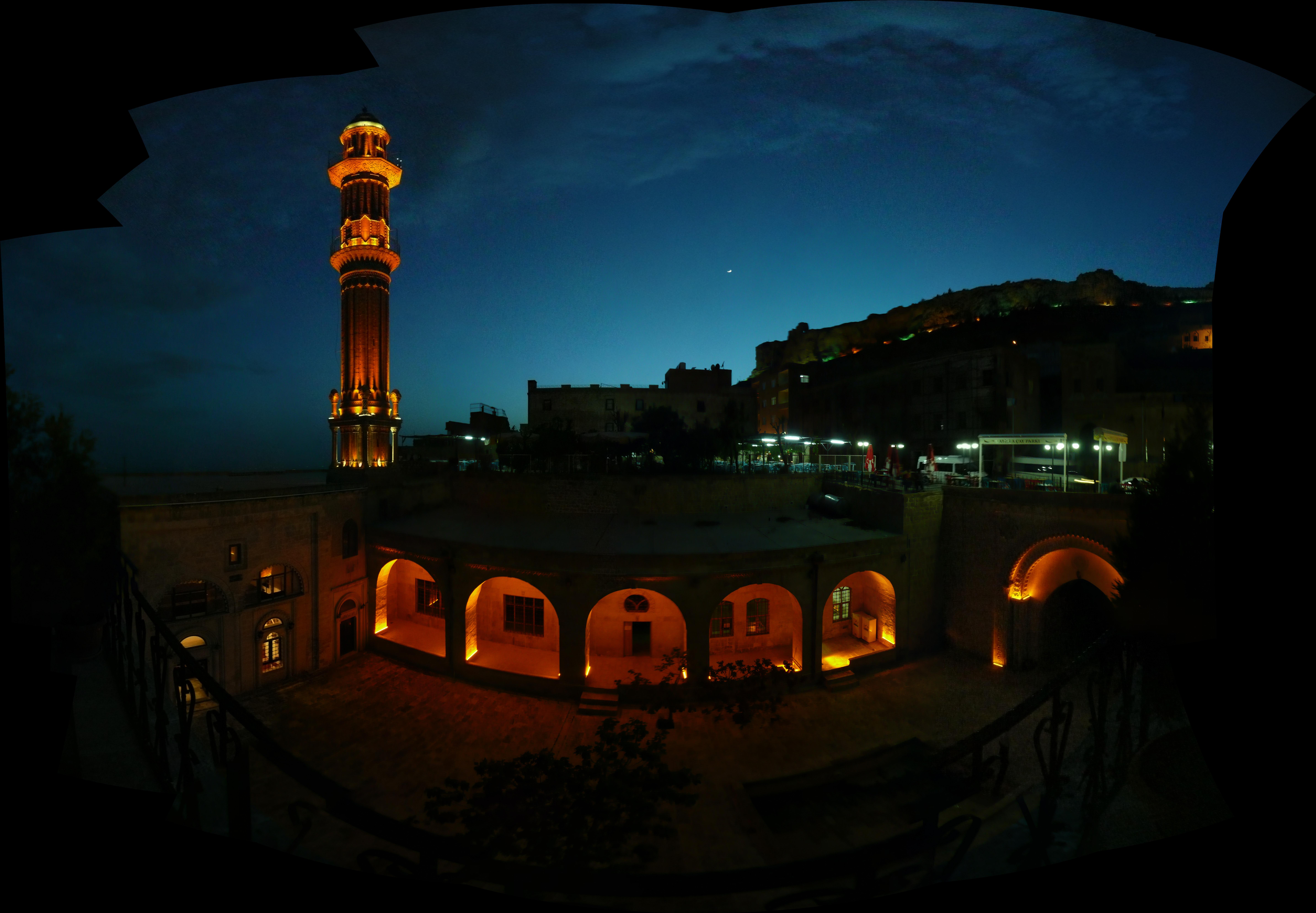 File:Mardin 1350660 1350692 33 images.jpg - Wikimedia Commons