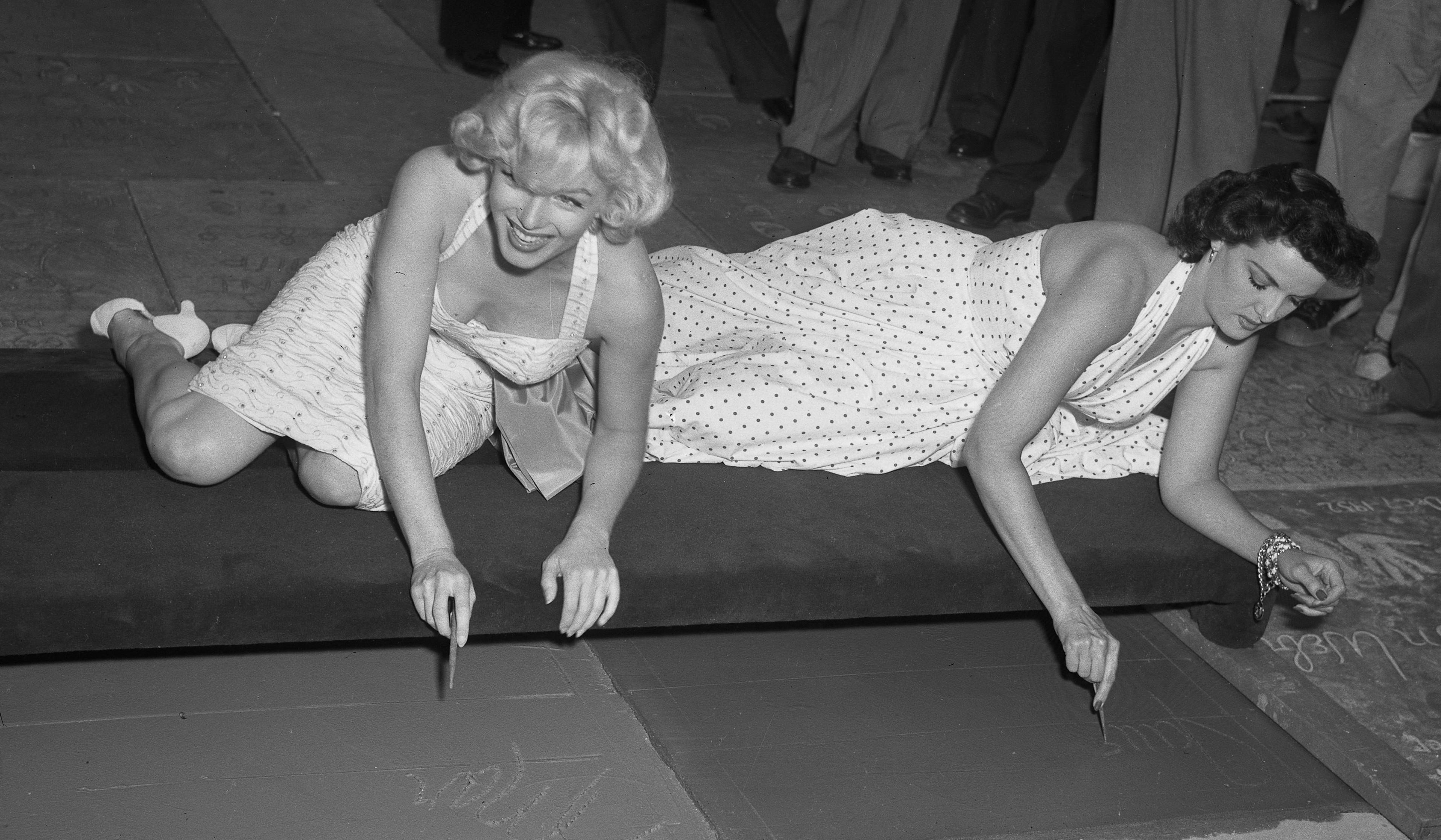 Ficheiro:Marilyn & Jane.jpg