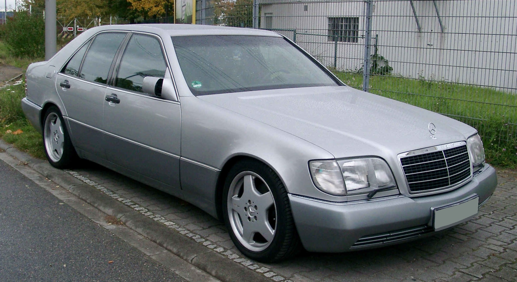Mercedes Benz W140 front