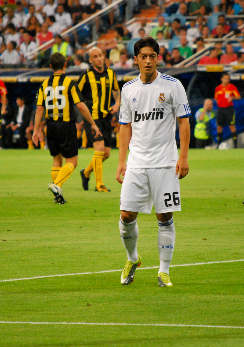Description Mesut Ozil V Drese Realu Madrid