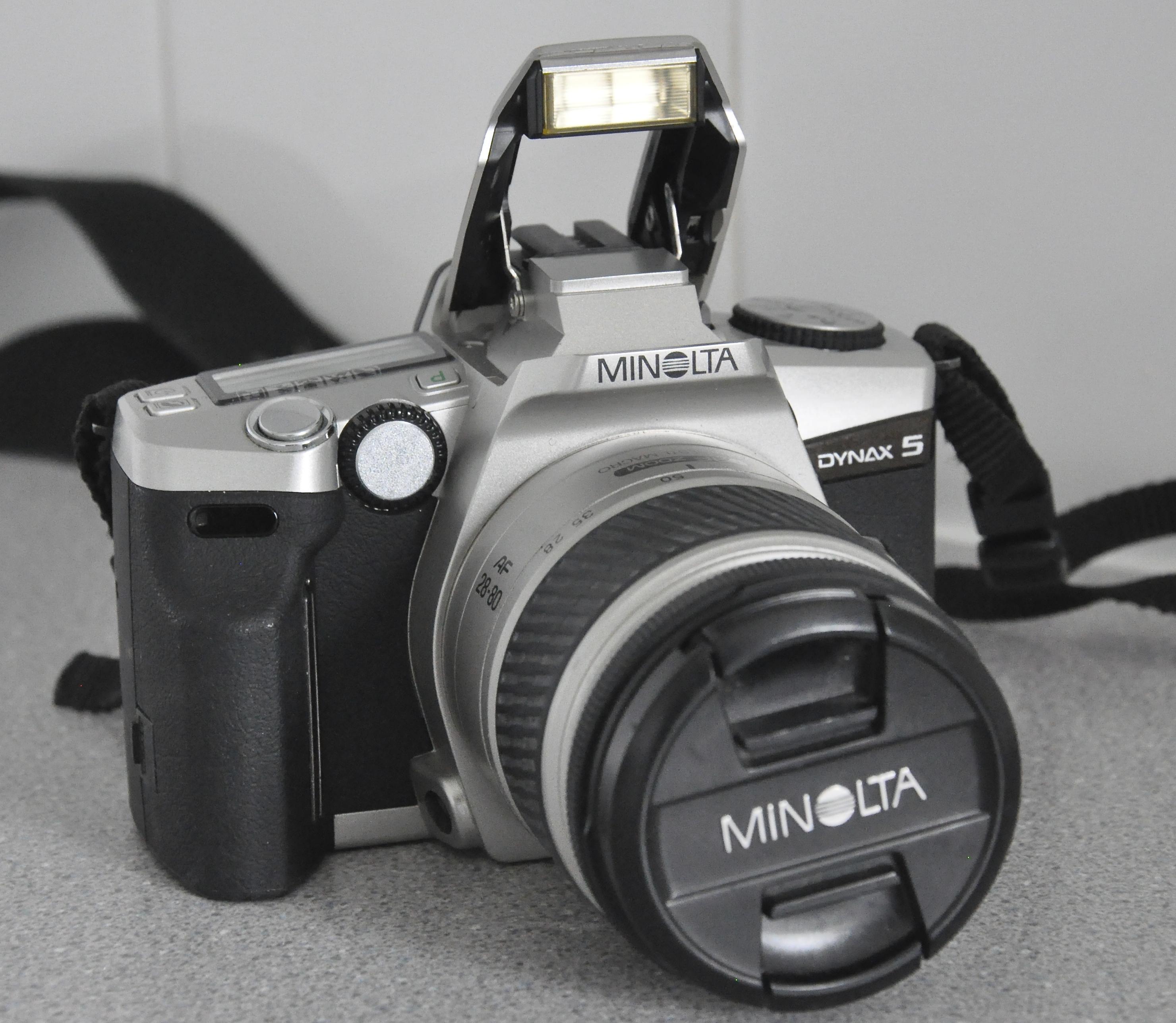 file minolta dynax 5 28 80 minolta lens analogue film camera jpg rh commons wikimedia org minolta dynax 5 instruction manual Dynax America