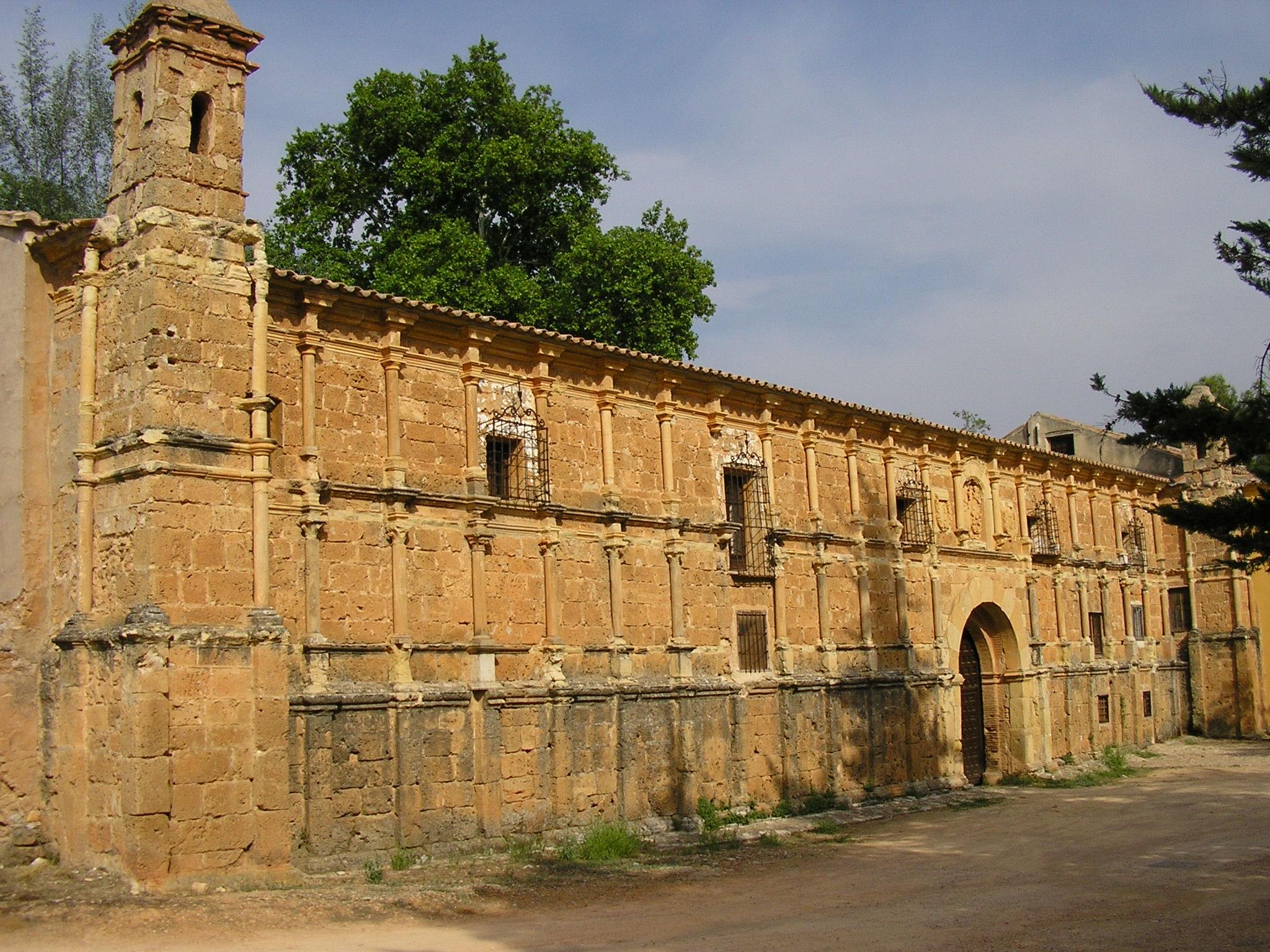 File monasterio de piedra fachada wikimedia commons - Fachada de piedra ...