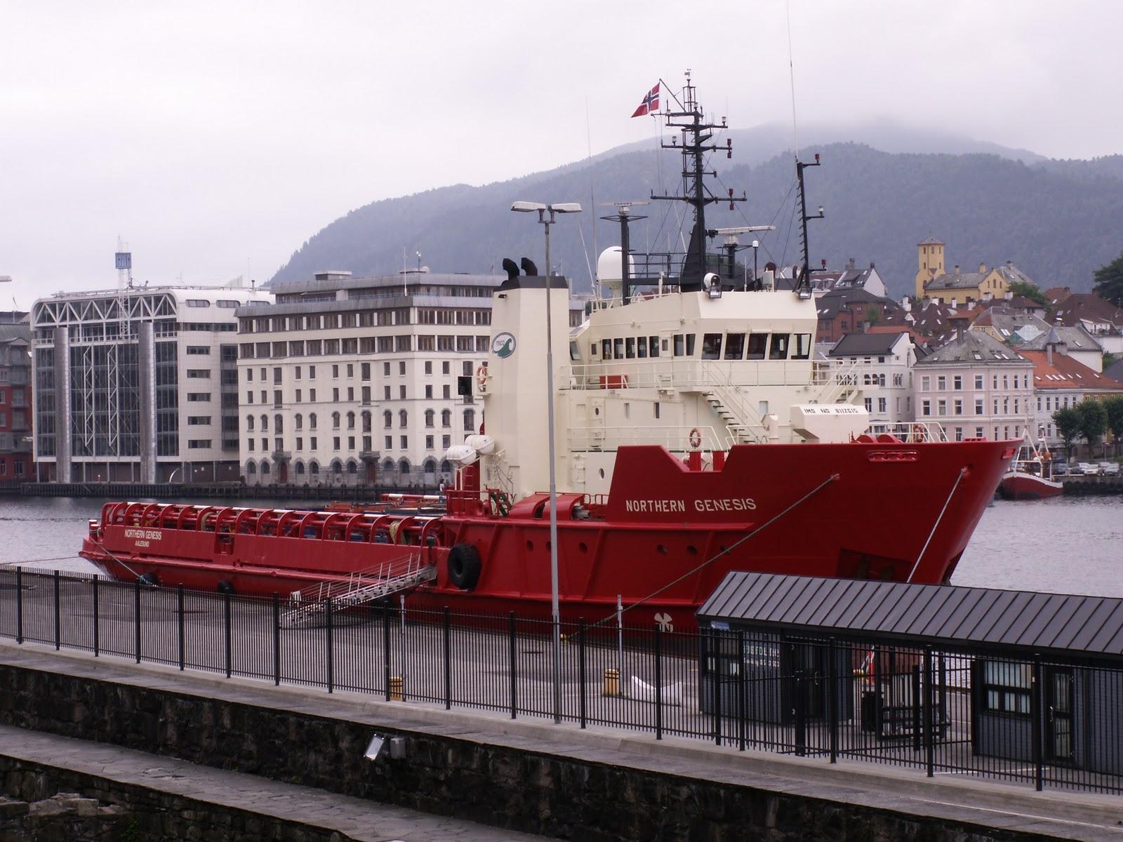 Supplybåt i Bergen. Foto: Badzil (CC BY-SA 3.0)
