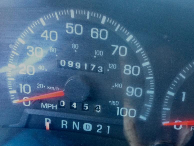 File:Odometer in a 1998 Ford F-150 at 99,173 mi (5917625346).jpg