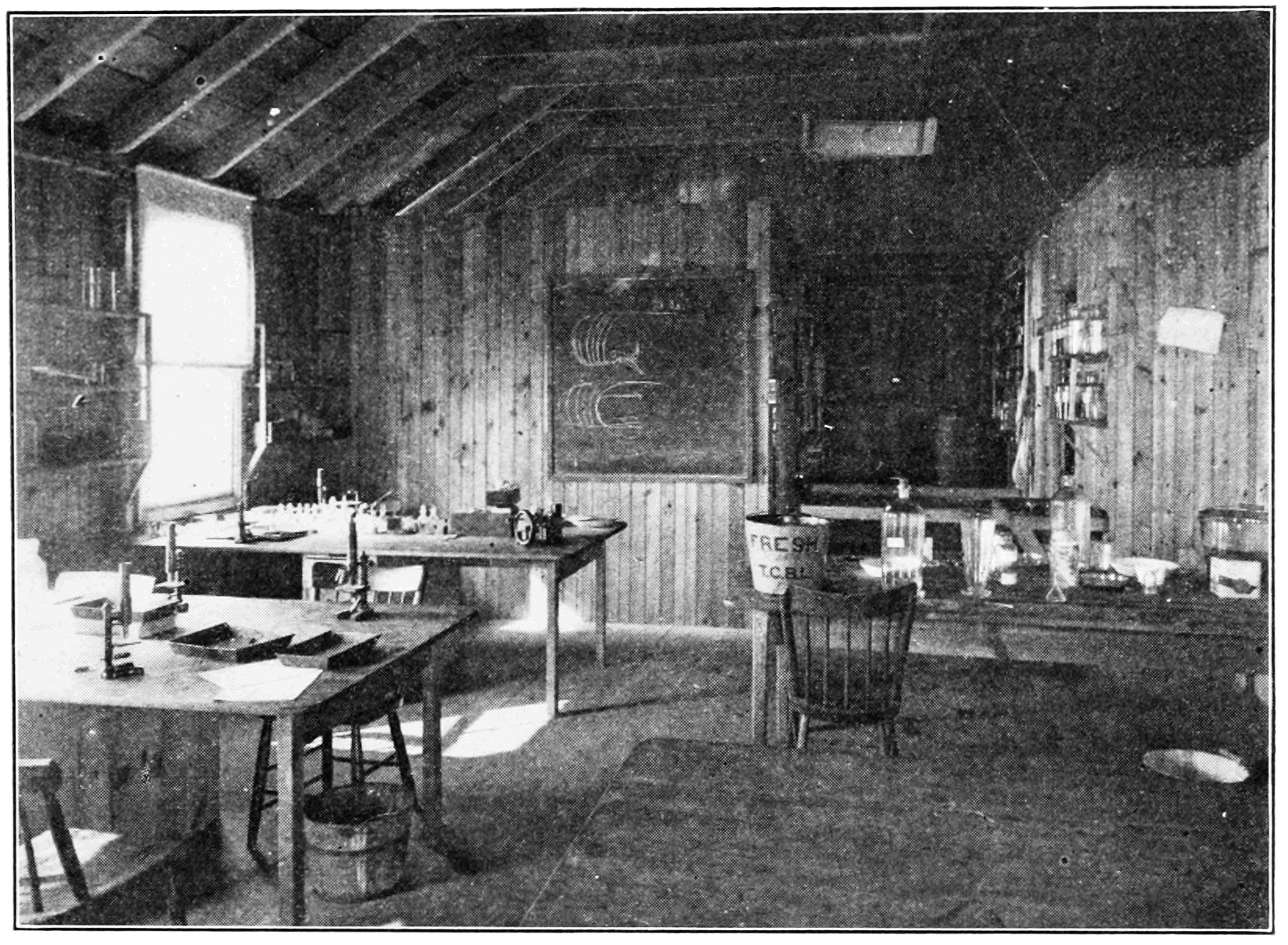 PSM V74 D511 Interior of the harpswell laboratory.png