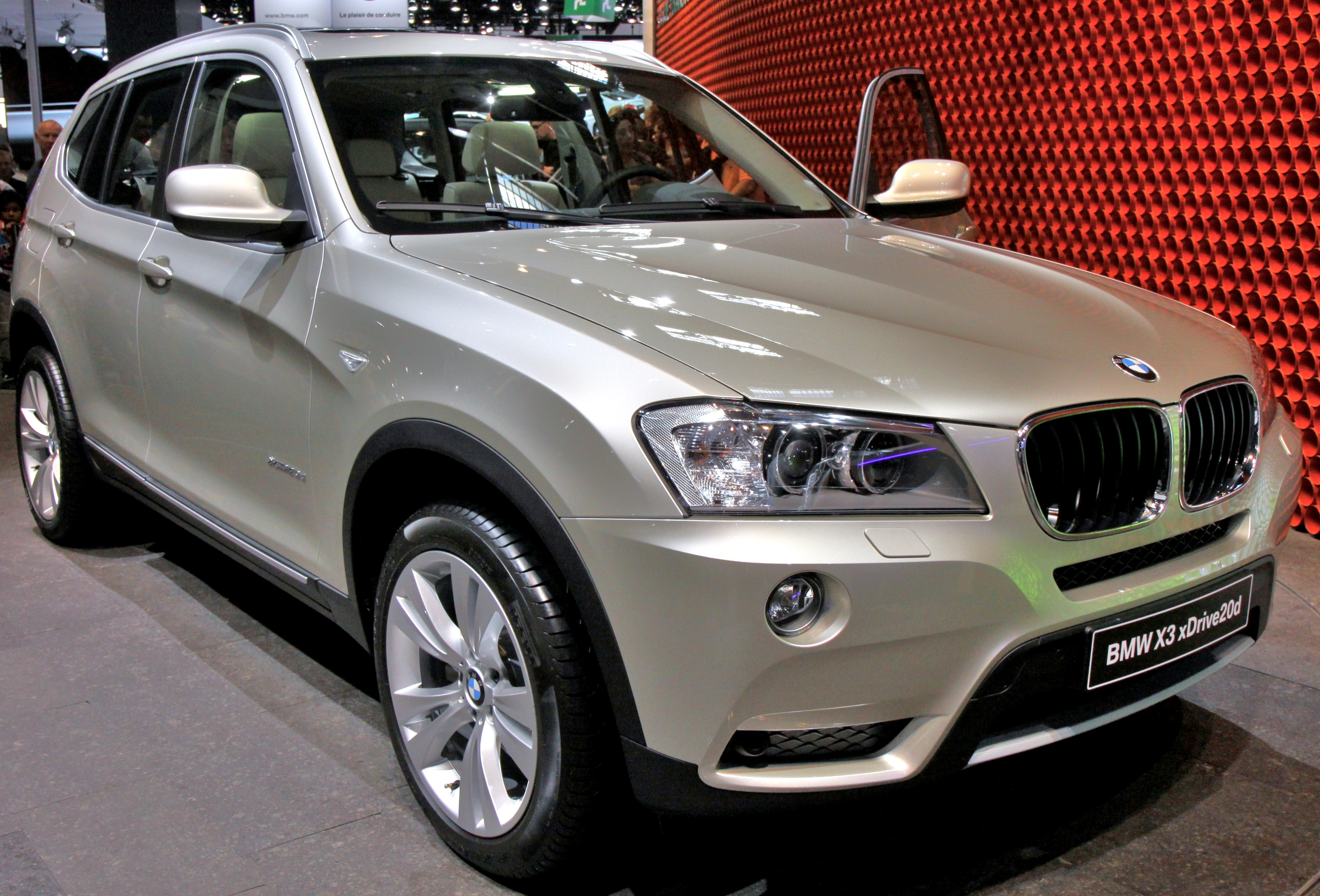 file paris mondial de l 39 automobile 2010 bmw x3 001 jpg wikipedia. Black Bedroom Furniture Sets. Home Design Ideas