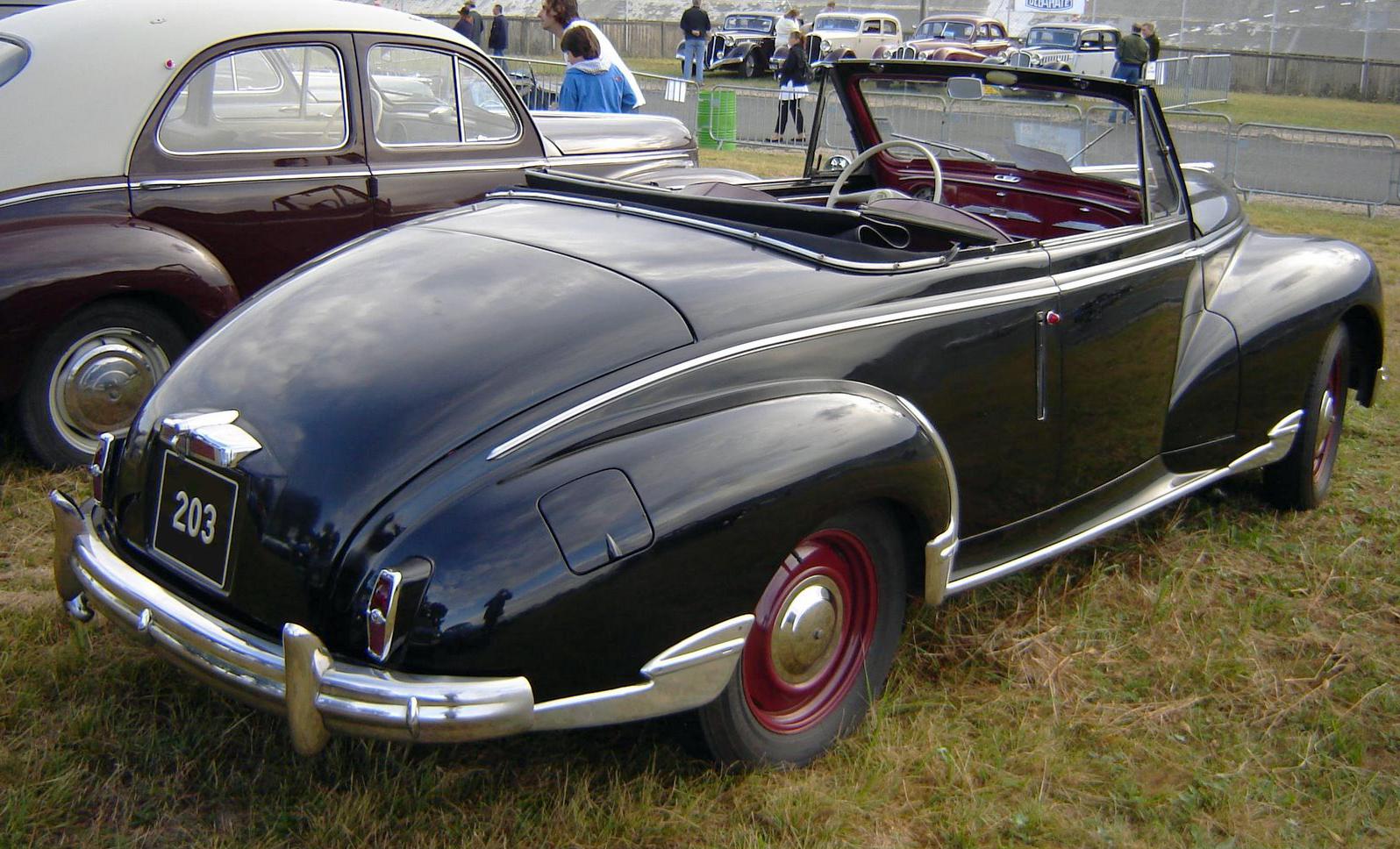 File:Peugeot 203 Cabriolet Noir.jpg