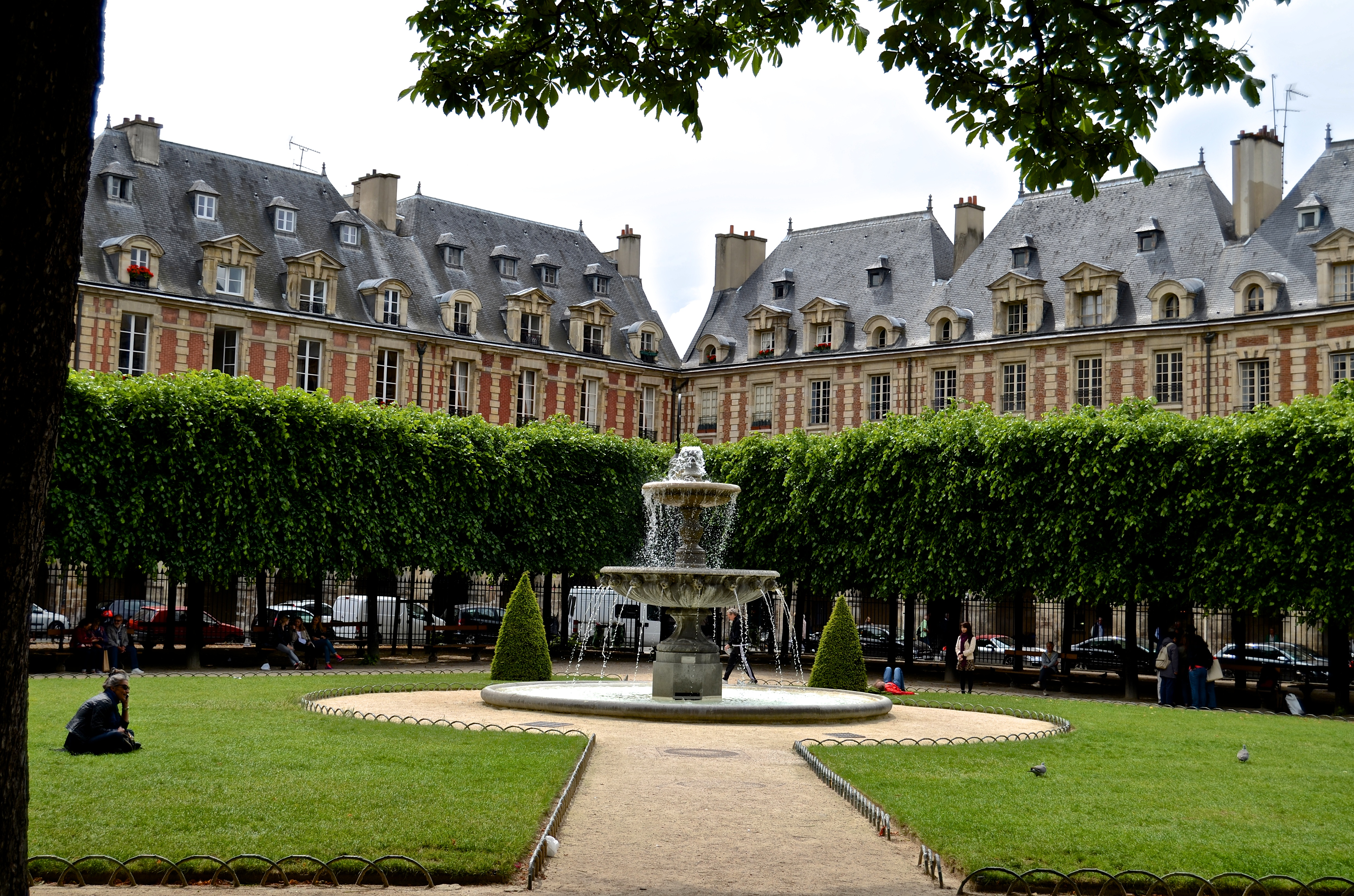 File place des vosges 2 paris 23 may wikimedia - Comptoir des cotonniers place des vosges ...