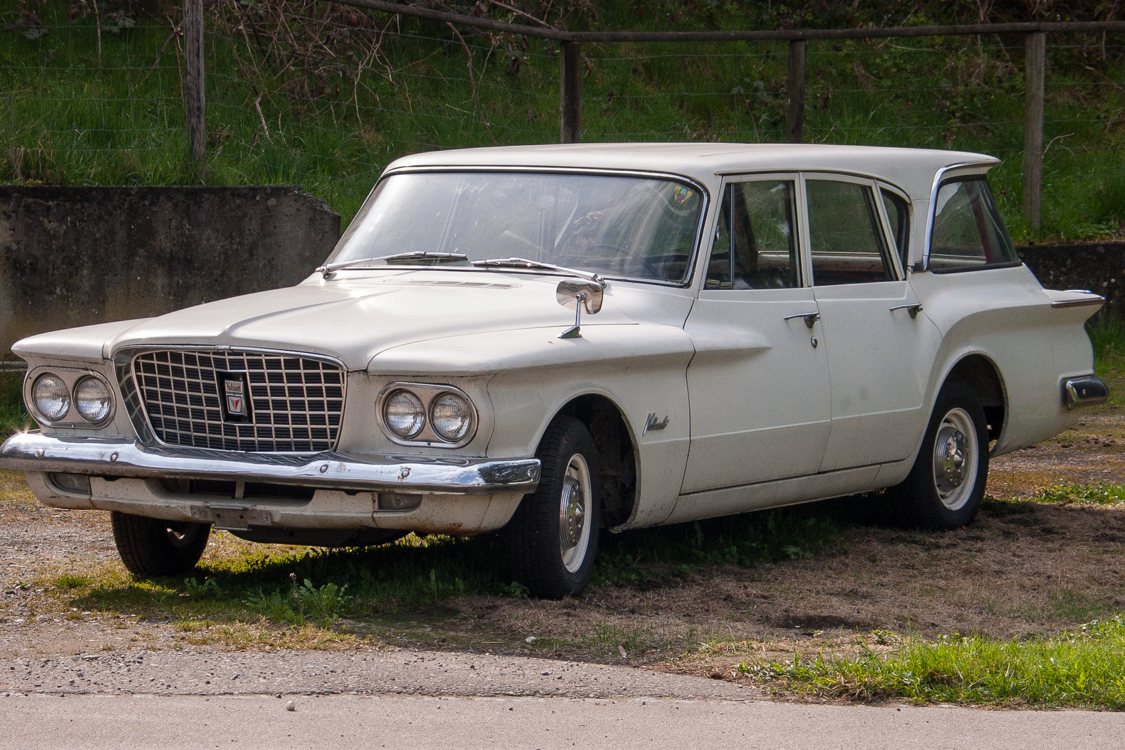 File:Plymouth Valiant Station Wagon (First Generation) jpg