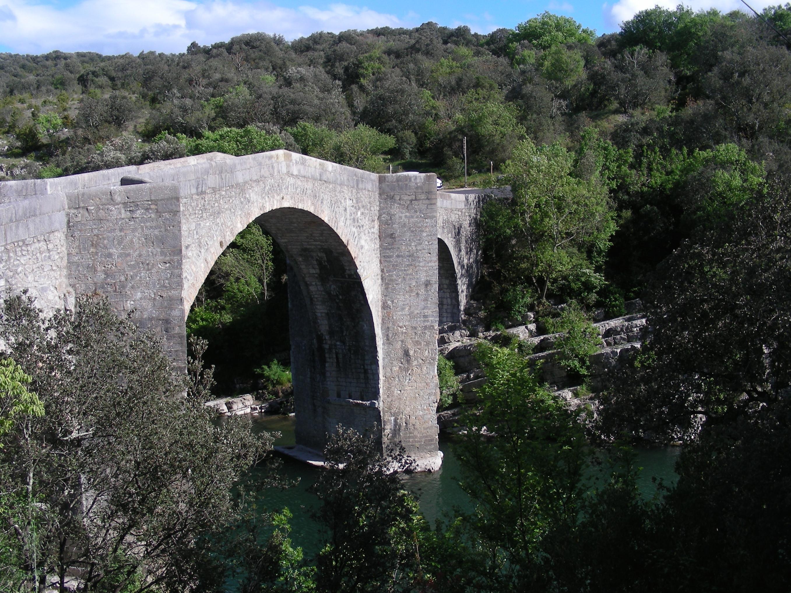 File Pont De Saint Etienne D Issensac Jpg Wikimedia Commons