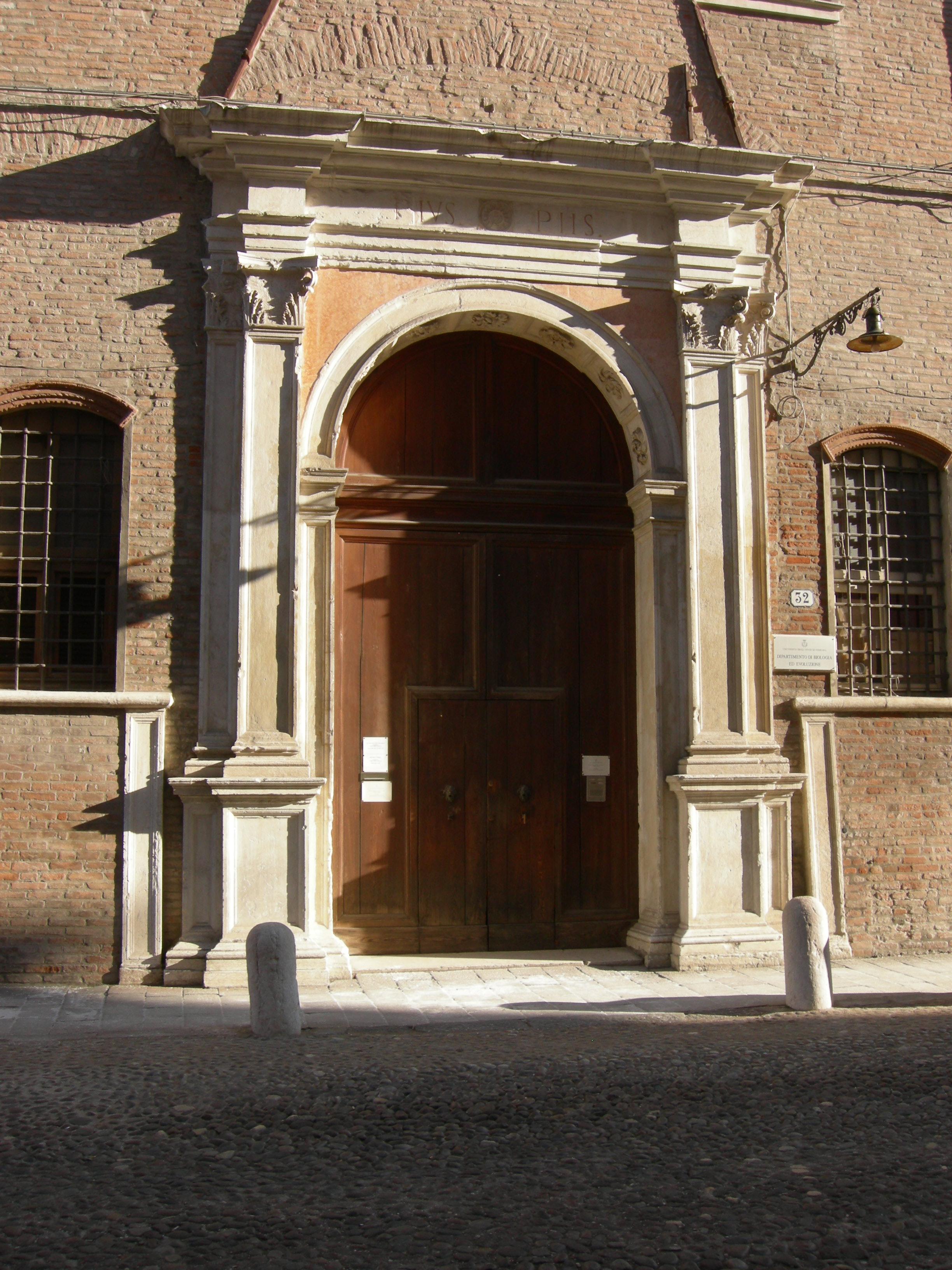 File:Portale palazzo Turchi - Di Bagno Ferrara.JPG - Wikimedia Commons