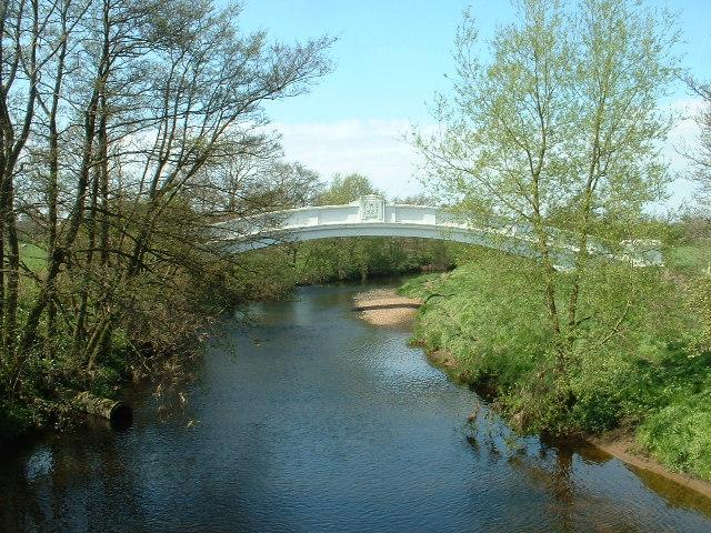 River Wyre, Garstang - geograph.org.uk - 7004