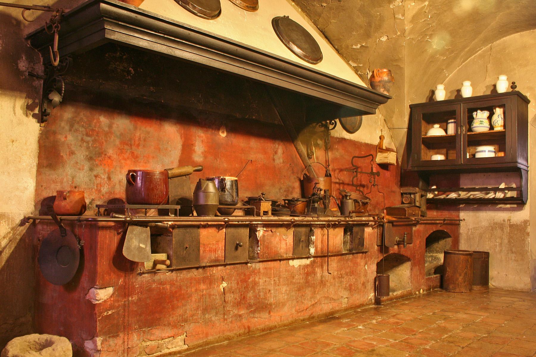 File Rocca Di Dozza Kitchen Jpg Wikimedia Commons
