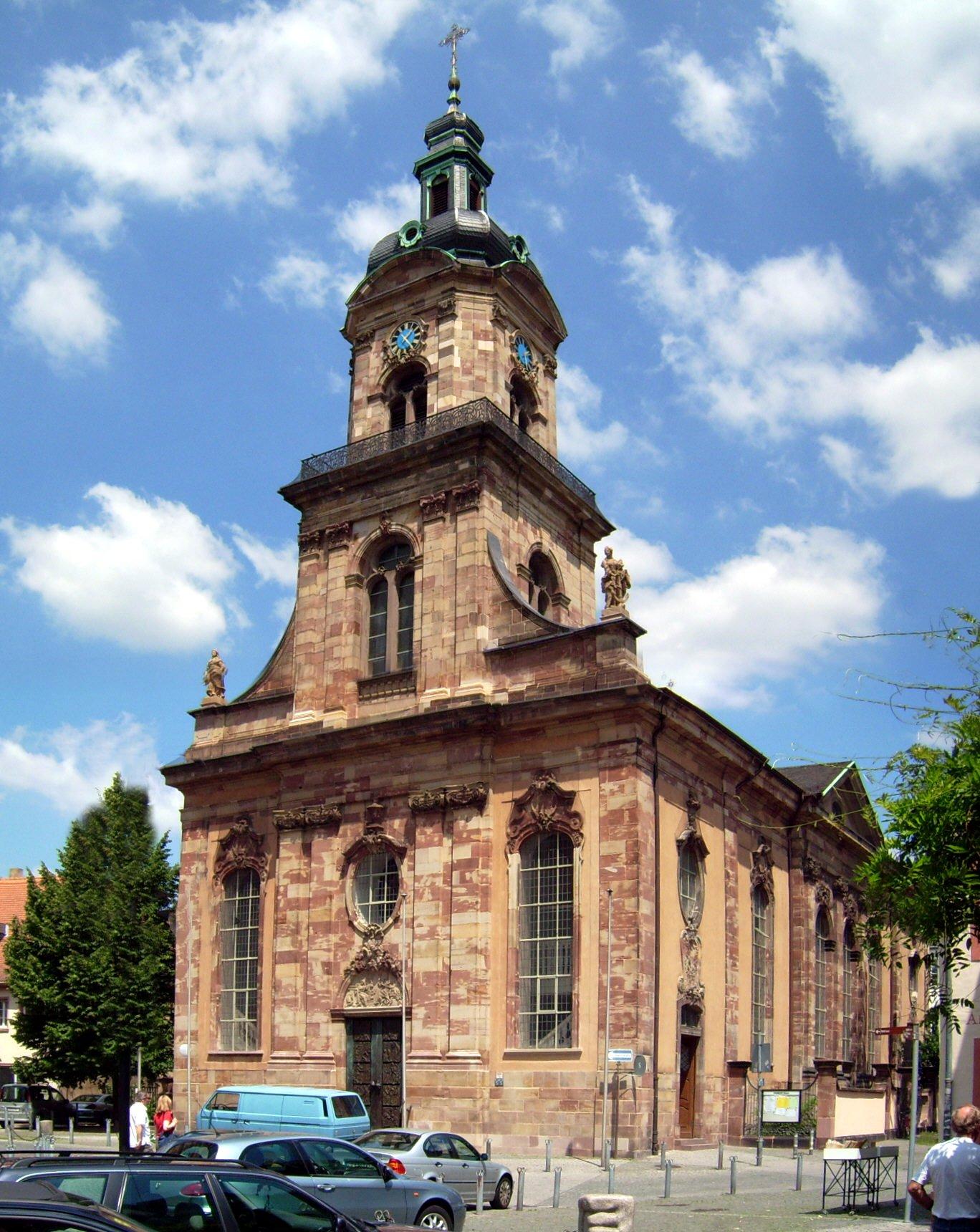 Unfreiwilliger Kunstraum: St. Johann Basilika in Saarbrücken. (Quelle: Lokilech via Wikimedia Commons unter Lizenz CC-BY-SA 3.0)