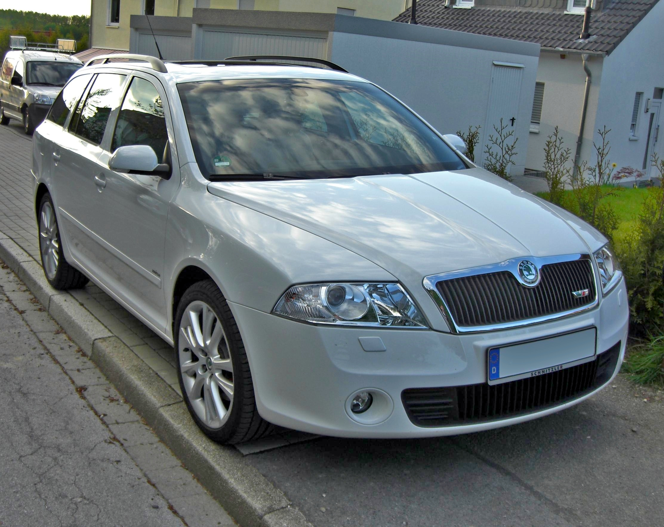 soubor skoda octavia rs combi front wikipedie. Black Bedroom Furniture Sets. Home Design Ideas