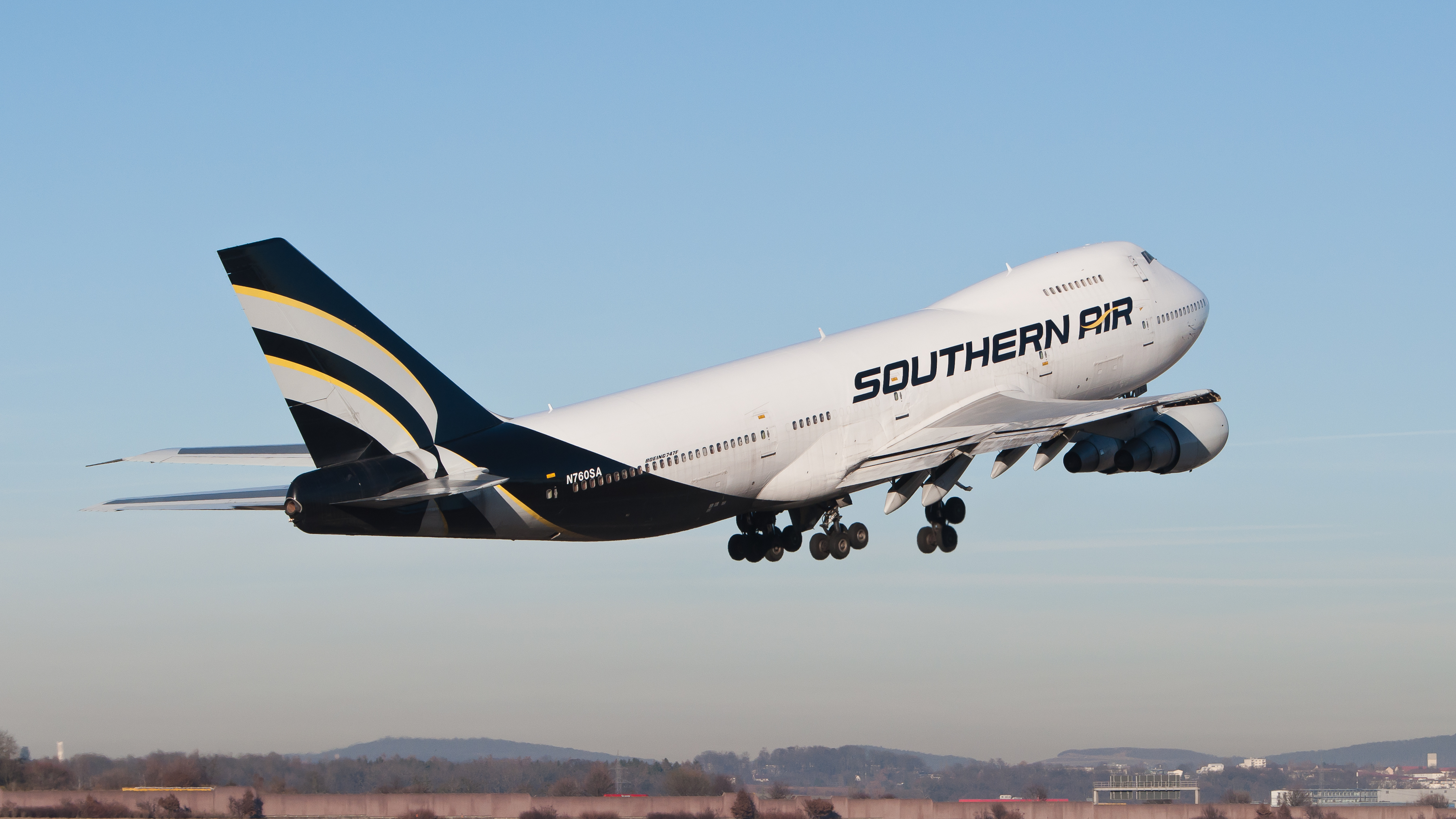 FileSouthern Air Boeing 747 230BSF N760SA 01jpg