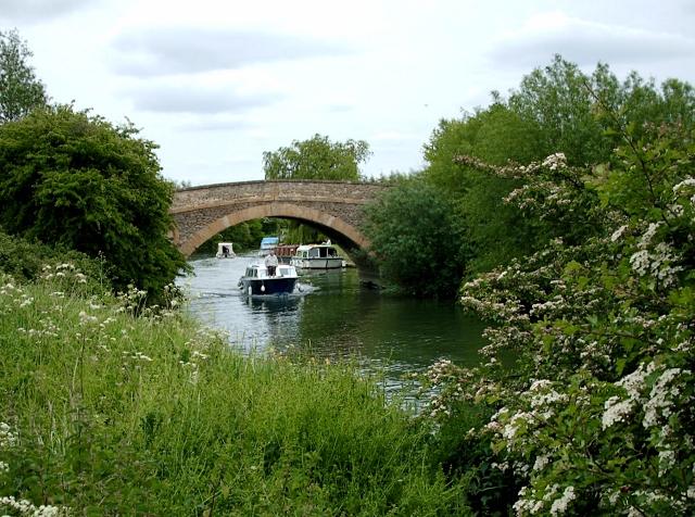 Tadpole Bridge. River Thames Oxfordshire - geograph.org.uk - 13783