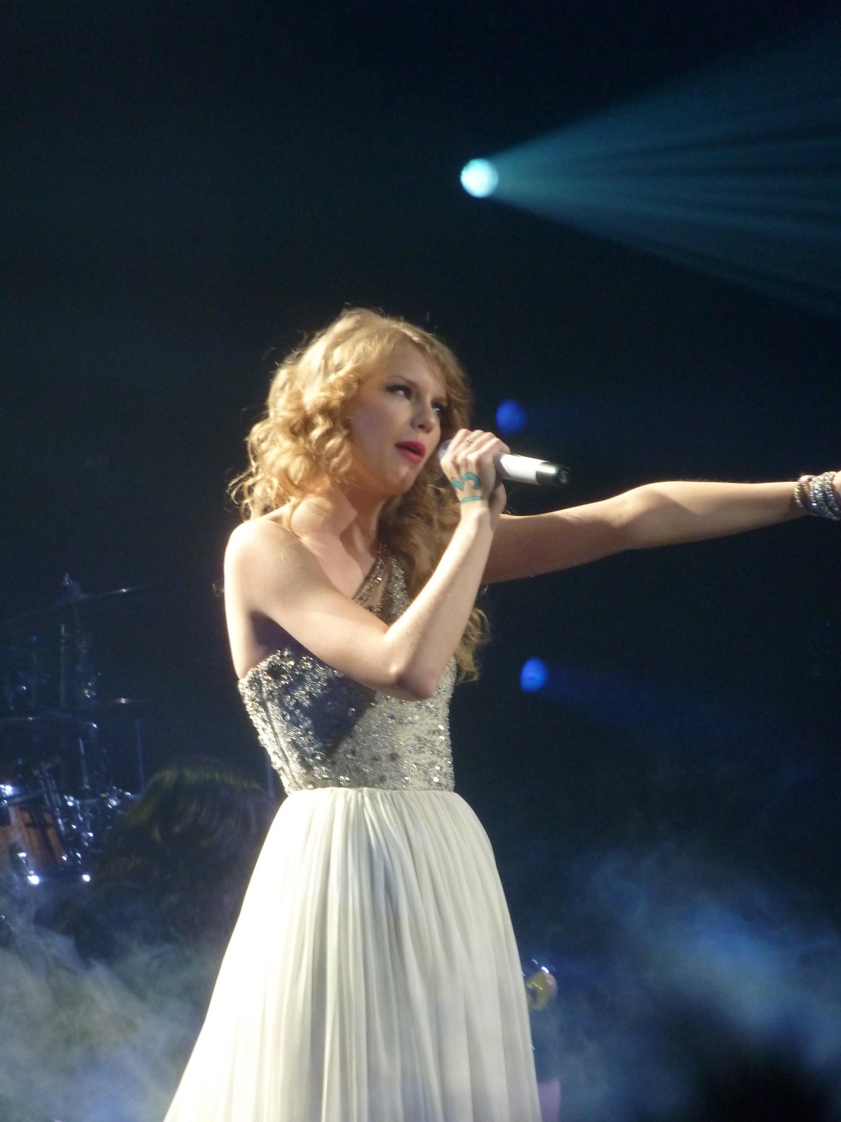 Taylor Swift Paris Tour