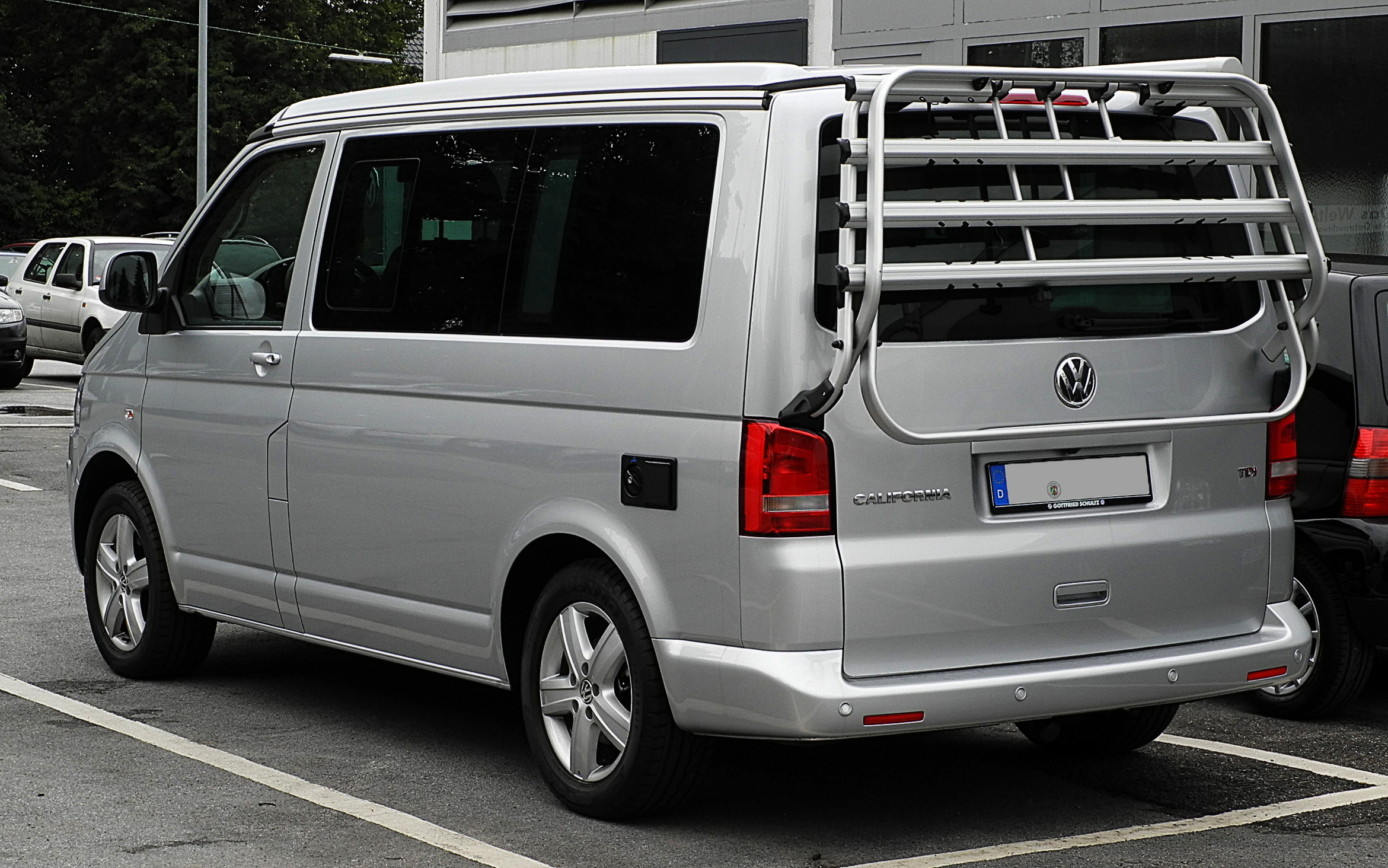 file vw california europe 2 0 tdi t5 facelift heckansicht 1 30 juli 2011. Black Bedroom Furniture Sets. Home Design Ideas