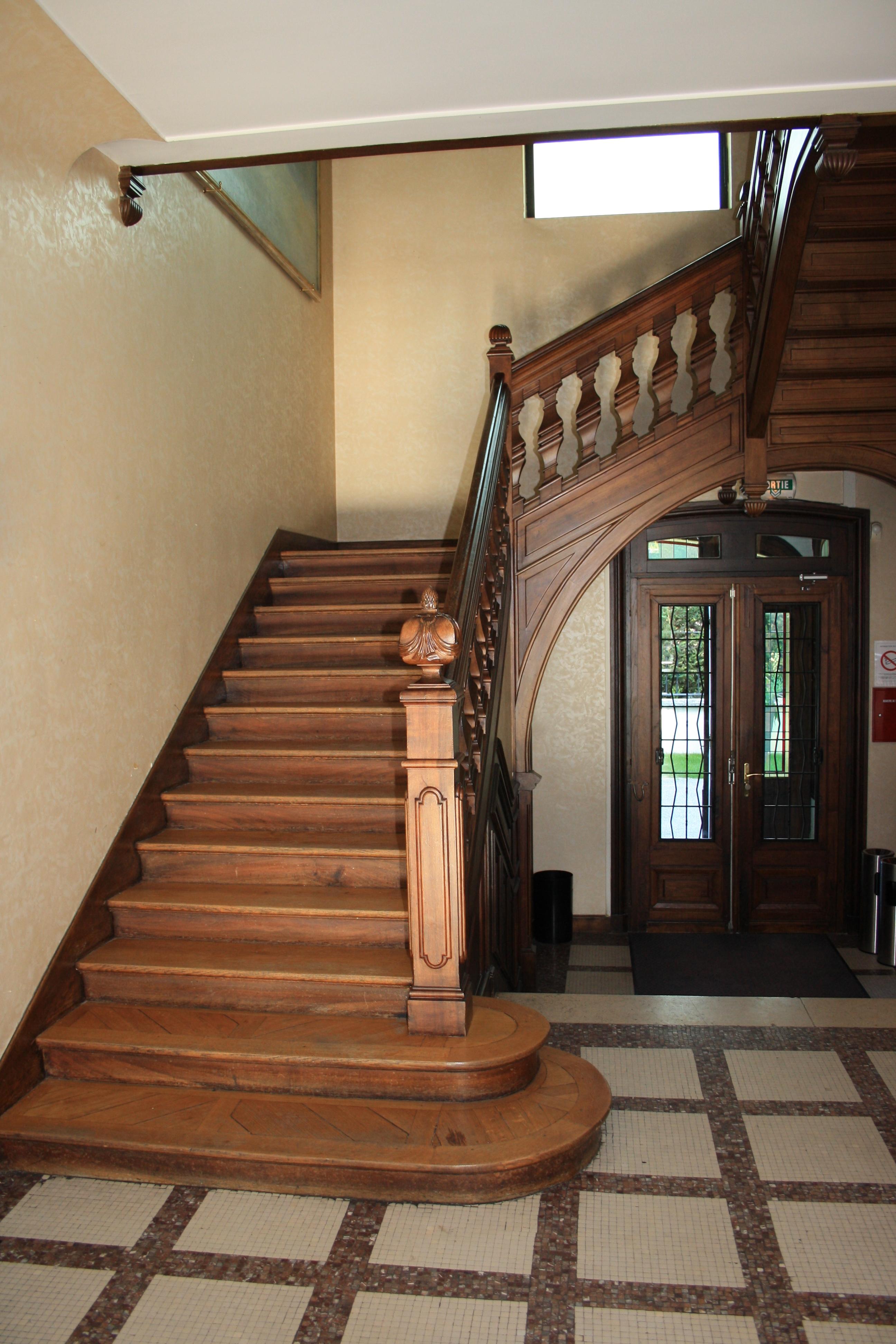 File Villa Saint Cyr Staircase Jpg