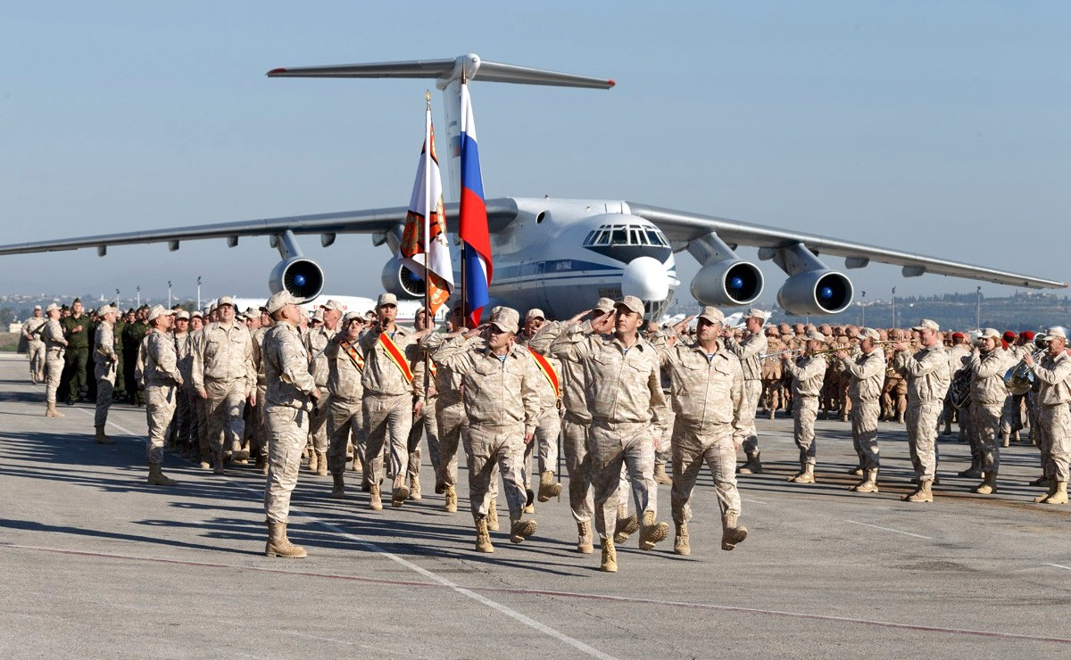 Vladimir Putin in Khmeimim Air Base in Syria (2017-12-11) 11.jpg