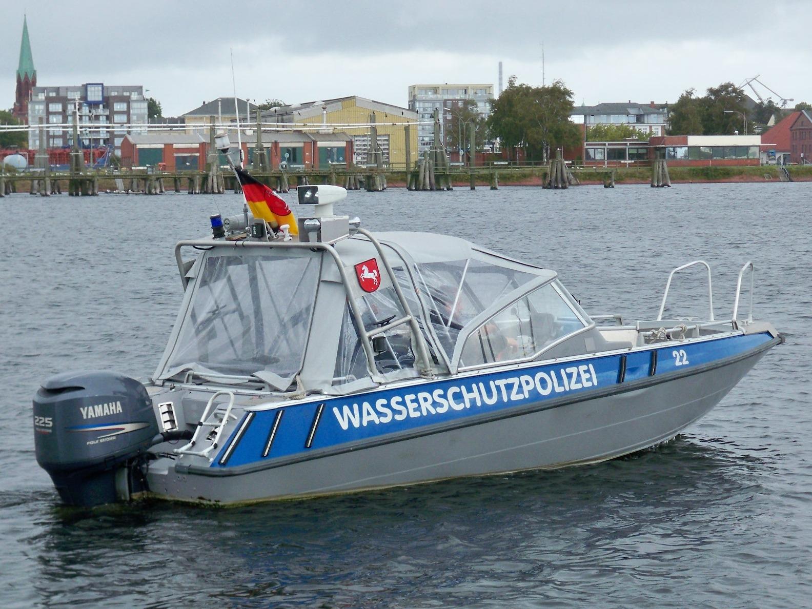 Polizeiboot - Quelle: WikiCommons, siehe Beitrag unten