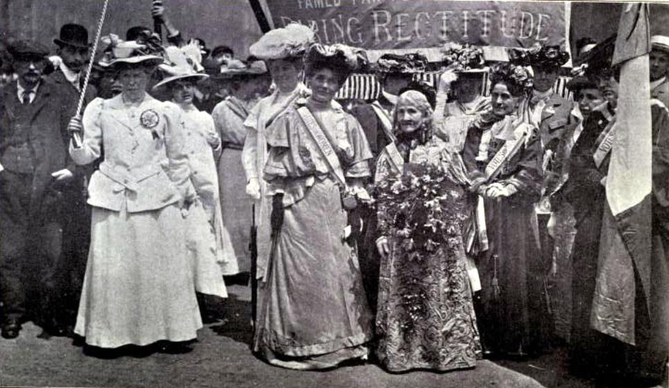 File:Women's Sunday, head of procession, Hyde Park, 21 June 1908.jpeg - Wikimedia Commons