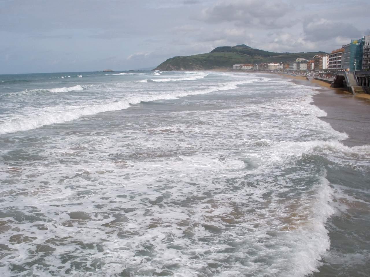 File:Zarauz - Playa 1.jpg - Wikimedia Commons
