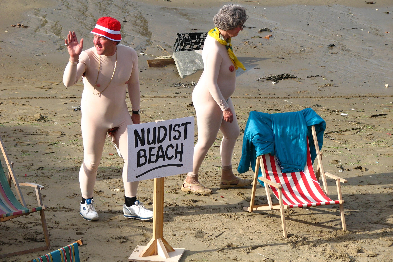 Вечное лето нудисты со всего мира снимаются голыми на