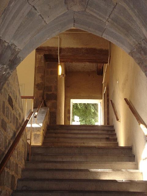 Villes et villages de charme du Cantal 00631_Aurillac_Presidial_escalier_inter