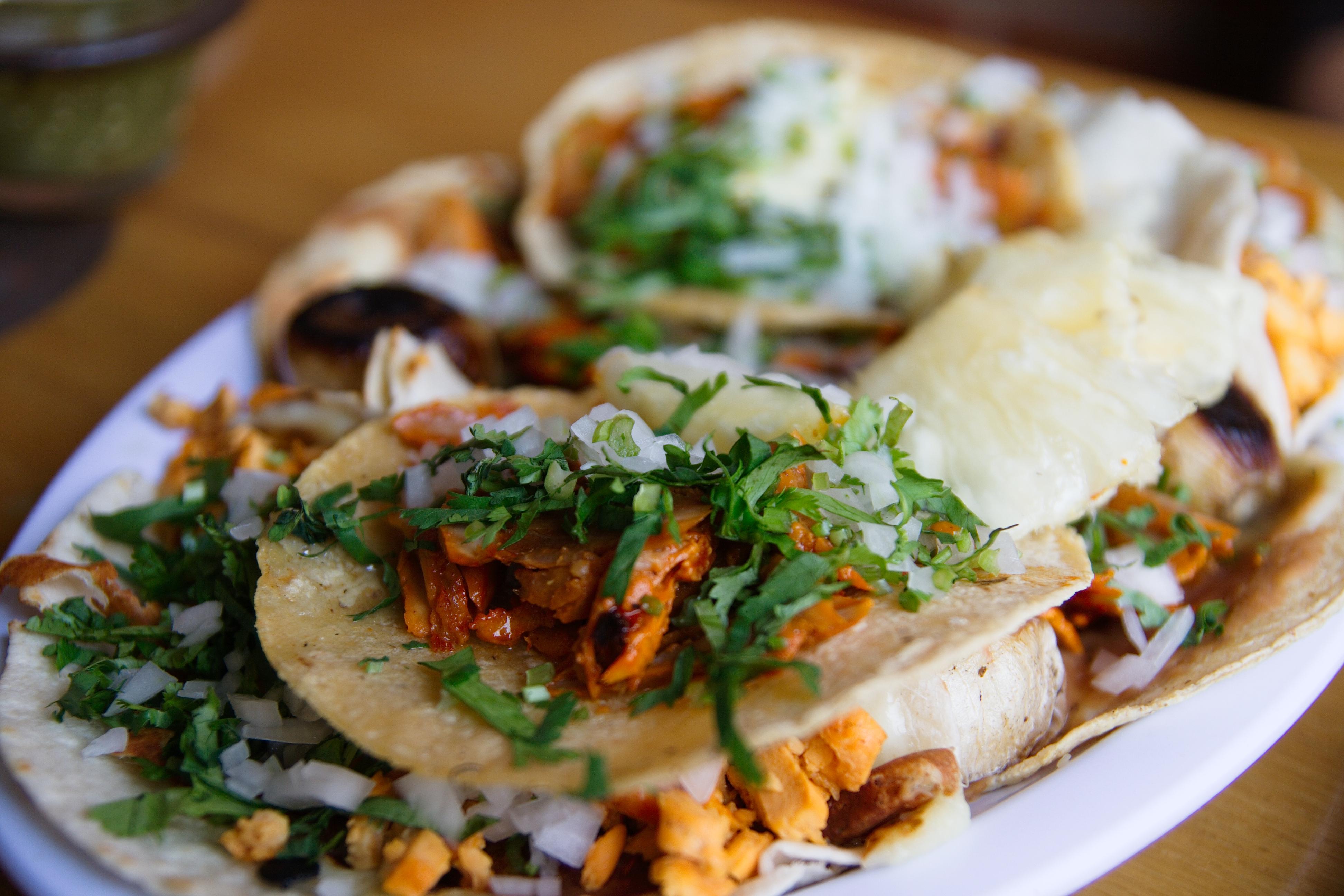 tacos al pastor a la fake meat recipes dishmaps. Black Bedroom Furniture Sets. Home Design Ideas